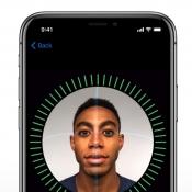 Gezicht scannen met Face ID op de iPhone X.