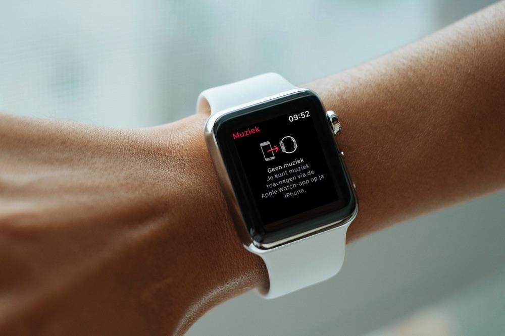 Muziek bedienen met je Apple Watch via iPhone.