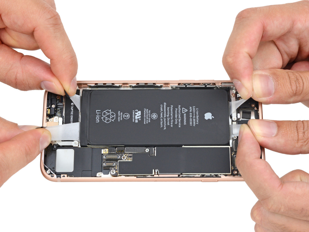 Batterij in de iPhone 8 door iFixit