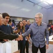 iPhone 8 Apple Store Palo Alto met Tim Cook