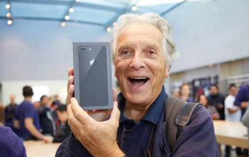 iPhone 8 Apple Store Palo Alto klant