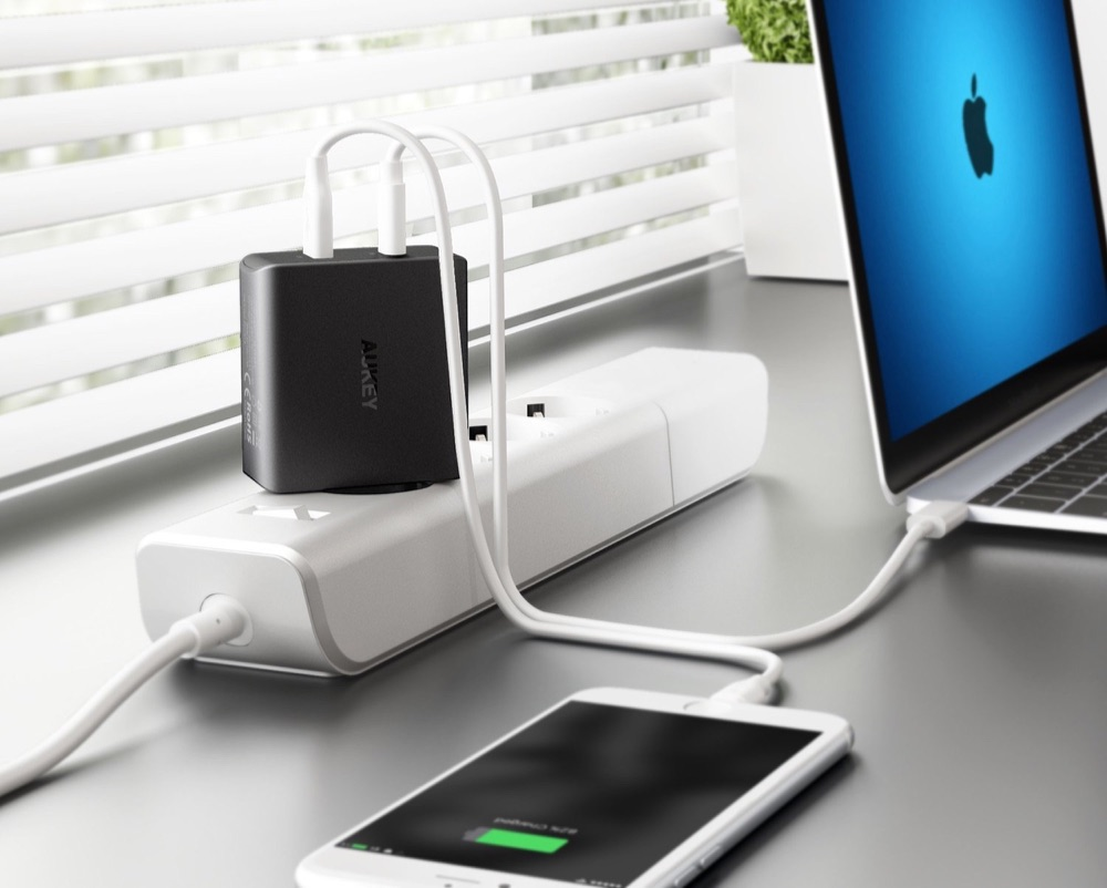 Aukey USB-C charger voor iPhone en MacBook.