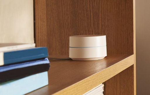 Google WIfi in boekenkast