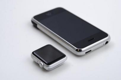 iPhone 2007 vs Apple Watch 2017