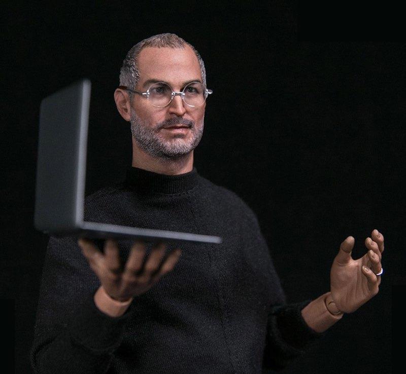 Steve Jobs actiefiguur met MacBook Air