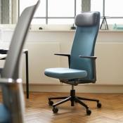 Op deze bureaustoelen werkt Jony Ive - en jij kunt er ook op zitten