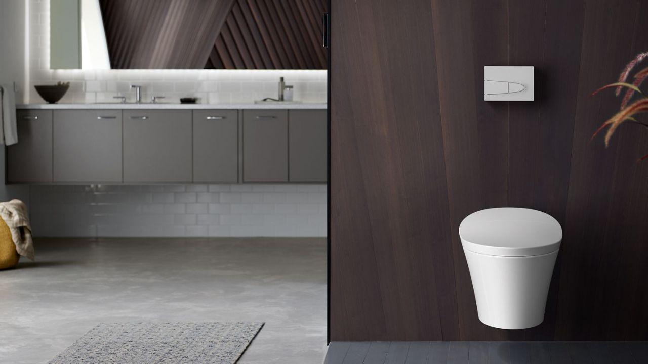 Kohler toiletpot en badkamer