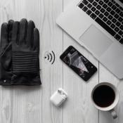 Napospy handschoenen verbinden met je iPhone.