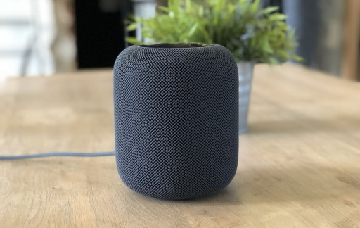 HomePod review: HomePod op tafel