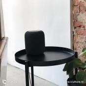 HomePod review: HomePod op bijzettafeltje