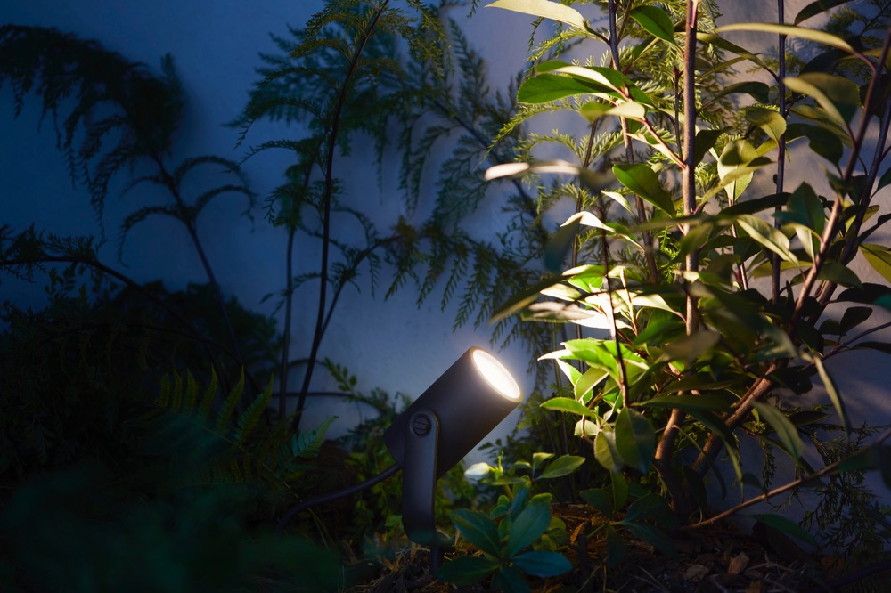 Philips Hue outdoor Lily.