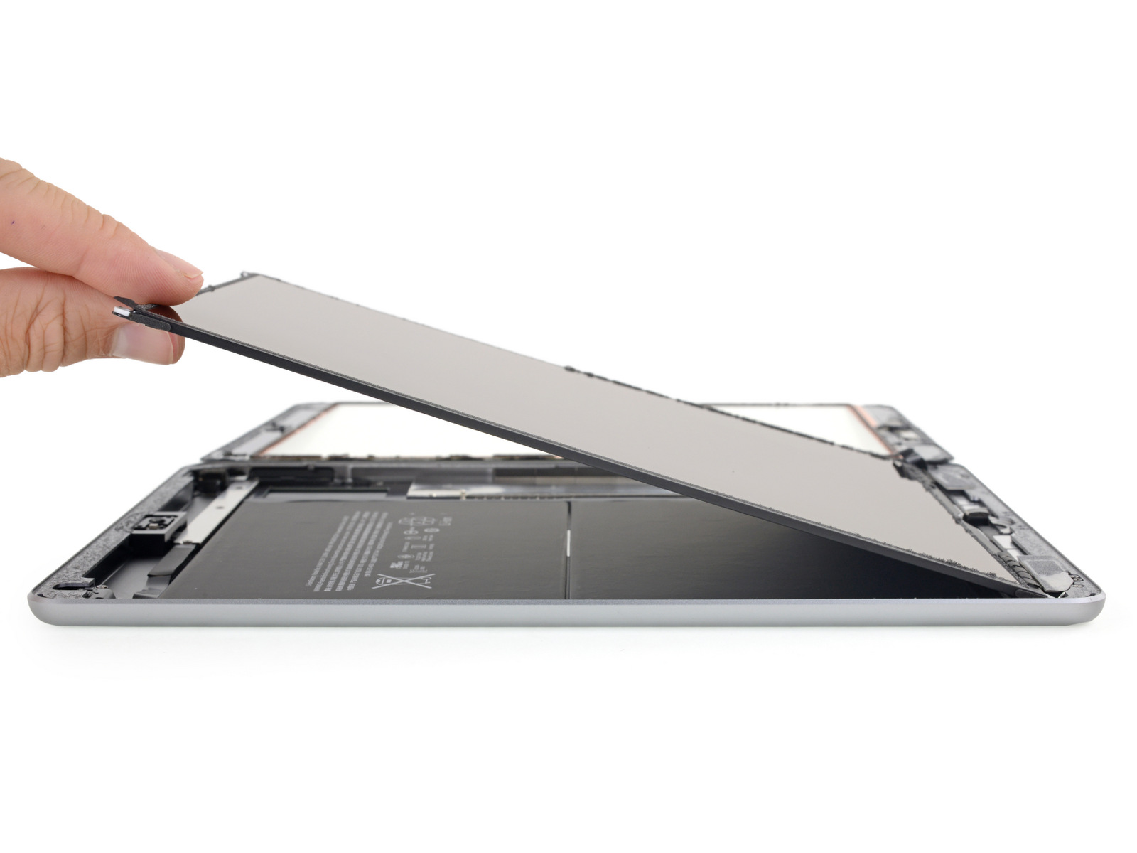 Scherm in iFixit teardown van de iPad 2018.