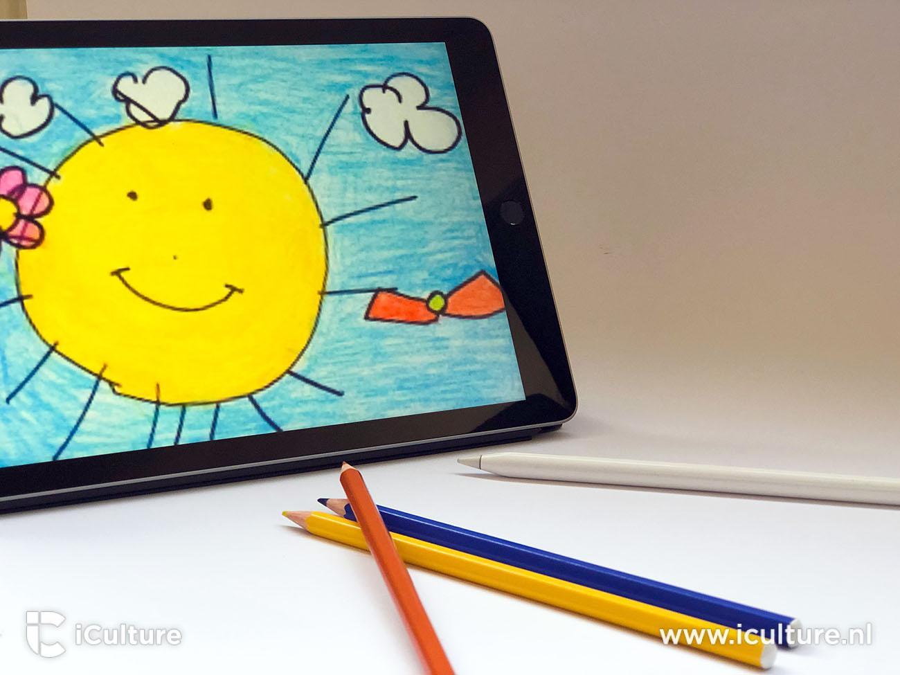 iPad 2018 review: iPad met kleurpotloden en kindertekening
