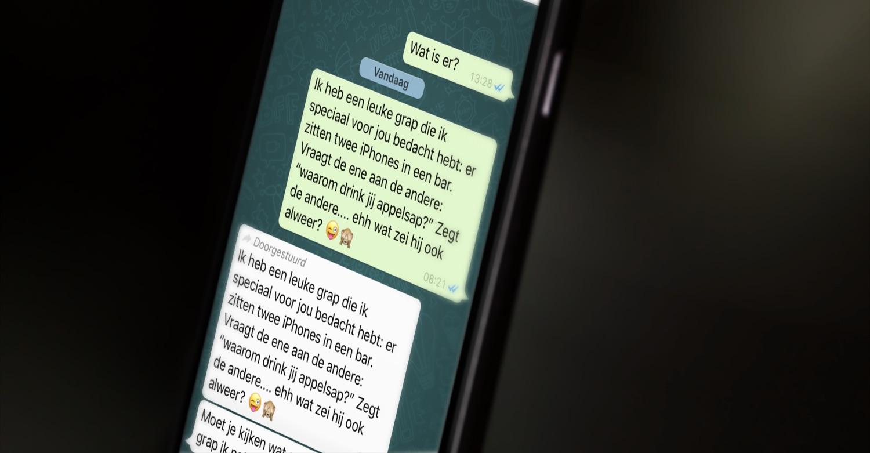 WhatsApp met doorgestuurd bericht.