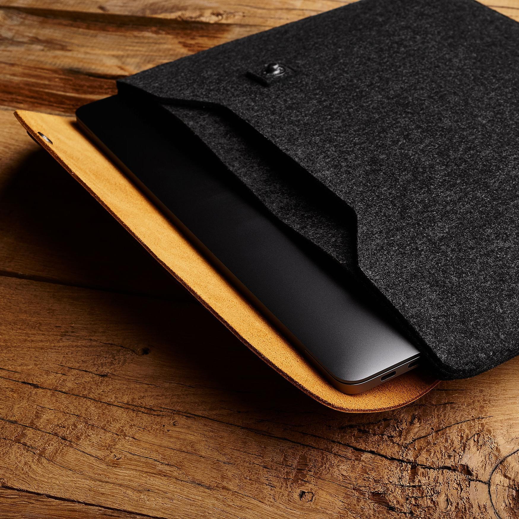 Mujjo Sleeve voor MacBook Pro.