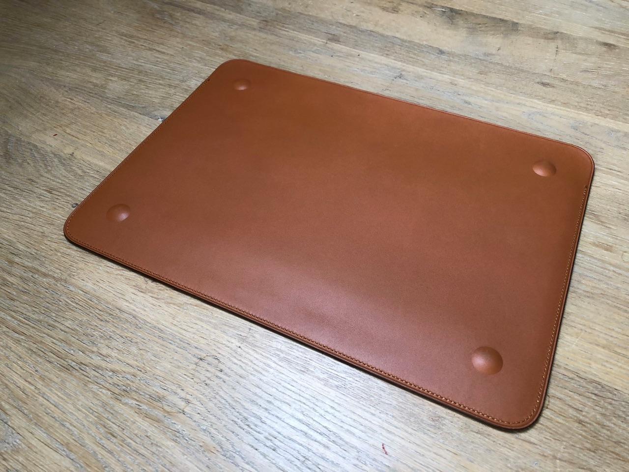 Onderkant van Leren Sleeve voor MacBook Pro.