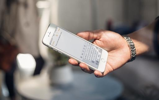 Eenhandig toetsenbord op de iPhone.