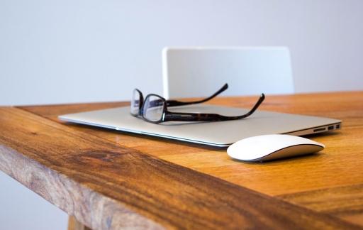 AR-bril met MacBook