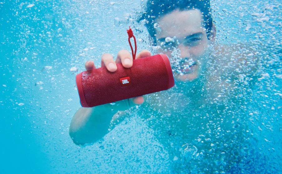 Draadloze Speaker Badkamer : De beste waterproof speakers voor je tuinfeestje of badkamer