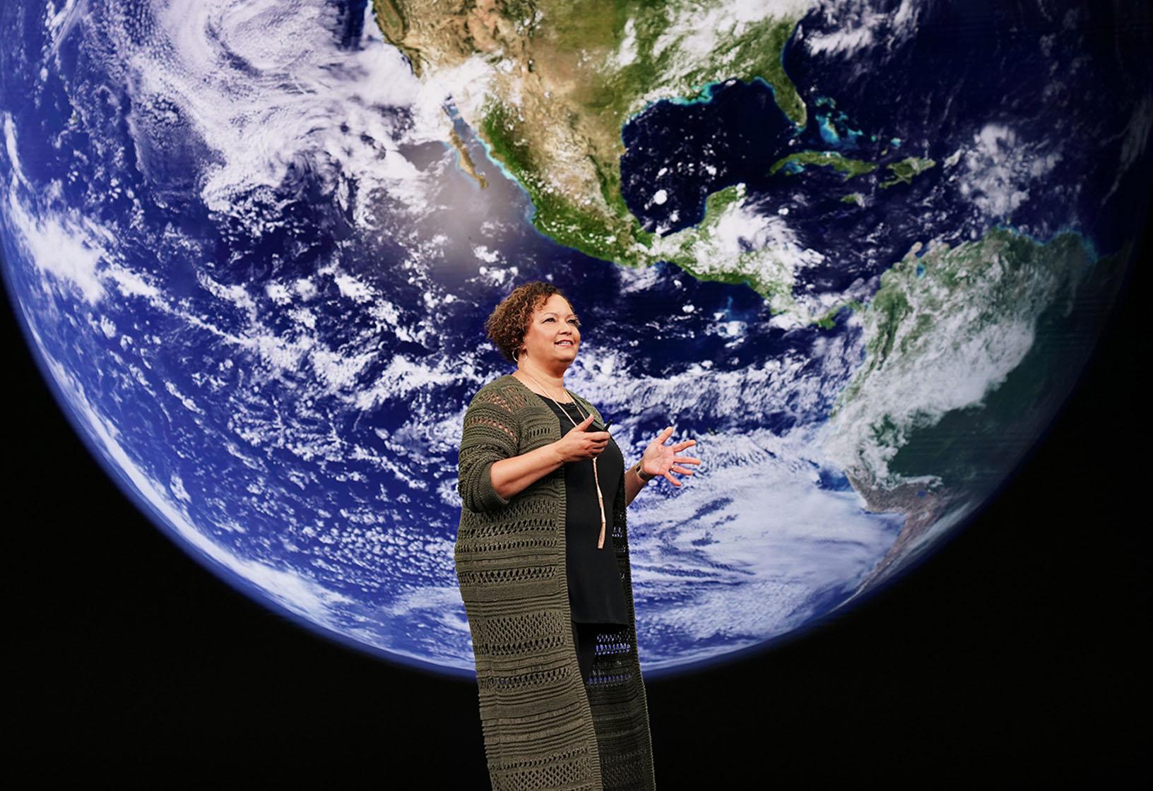 Apple Keynote Lisa Jackson