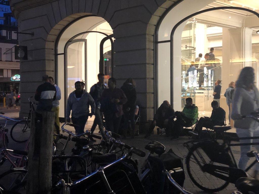 Apple Store Amsterdam donderdagavond iPhone XS
