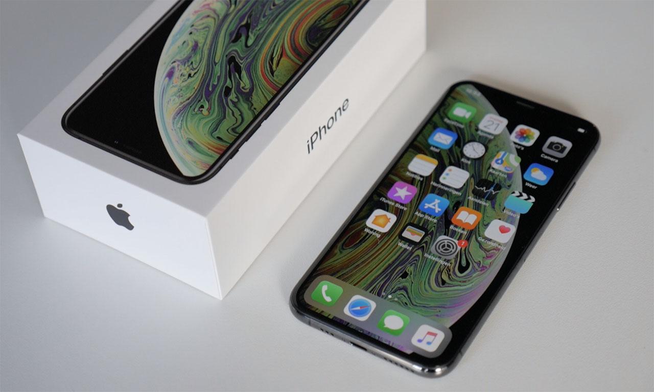 iPhone XS review met doosje