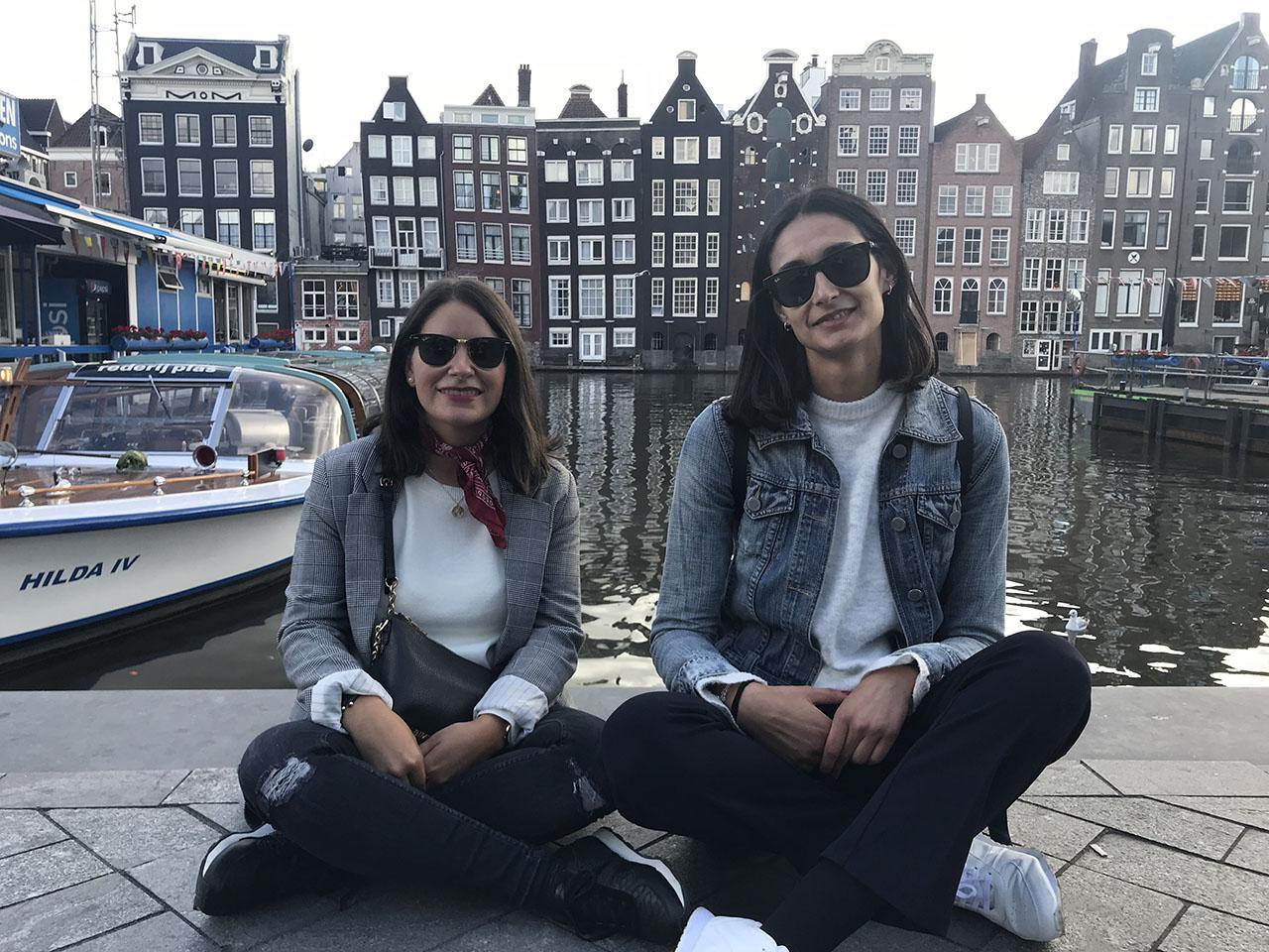 Twee vrouwen, foto gemaakt met iPhone 7
