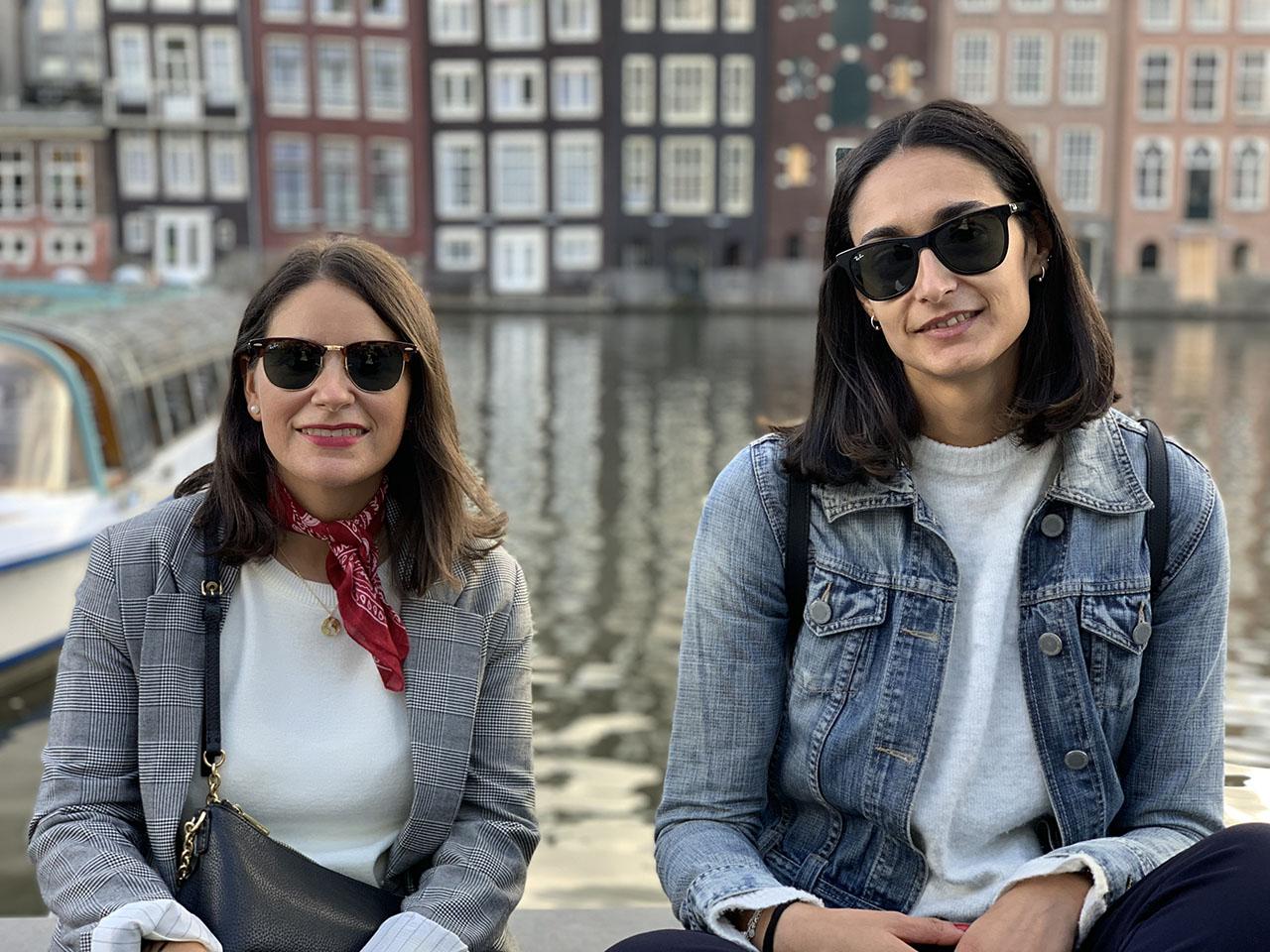 Twee vrouwen, foto gemaakt met iPhone XS Max