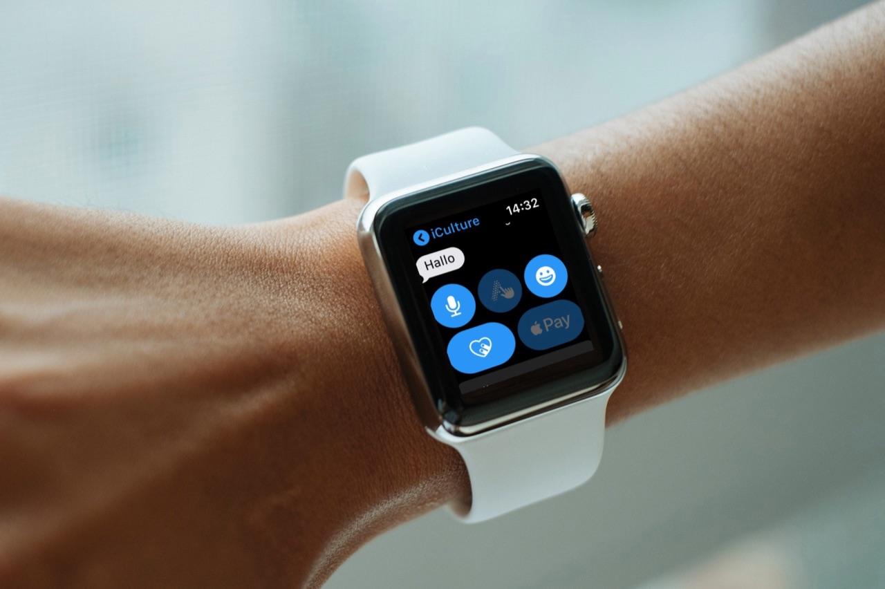 iMessage op de Apple Watch met Scribble en Apple Pay knoppen.