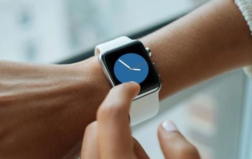 Apple Watch Kleur-wijzerplaat in het blauw.