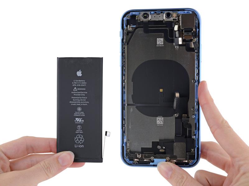 iFixit iPhone XR teardown: batterij