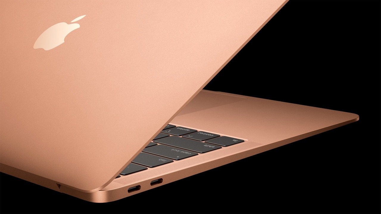 Zijkant van de MacBook Air 2018 in goud.