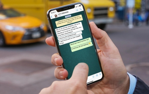 WhatsApp fraude gesprek.