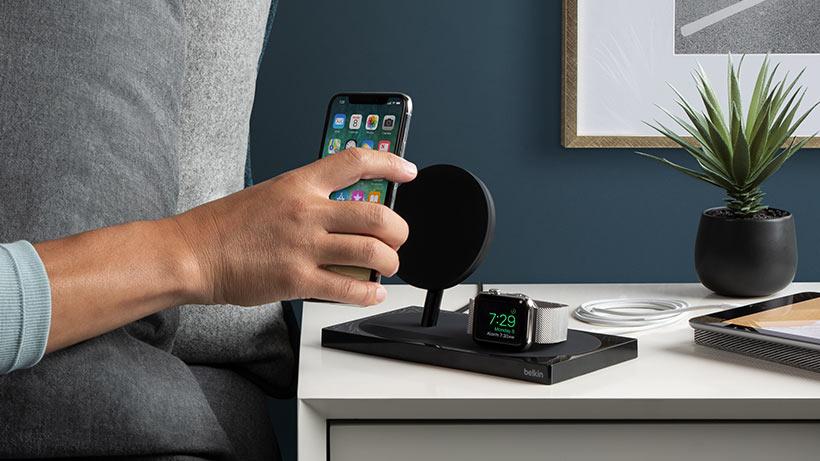 Belkin Boost Up dock voor iPhone en Apple Watch.