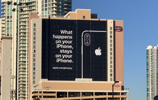 Apple CES 2019: privacy billboard.