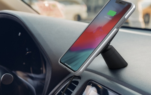 Moshi Car Mount met iPhone