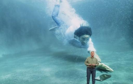 iPhone in zwembad