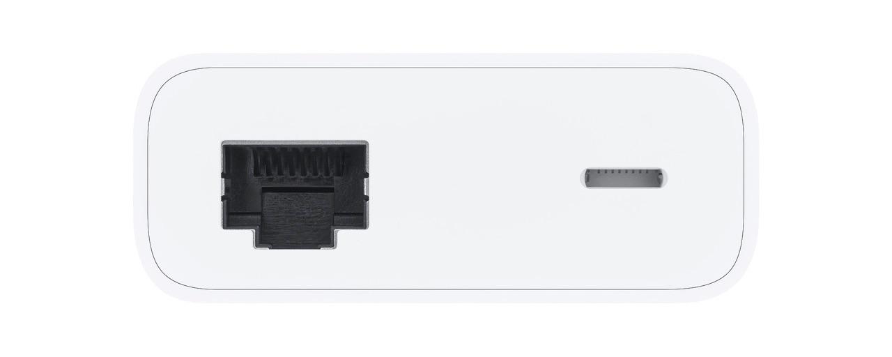 Poorten van de Belkin Ethernet met Lightning-adapter.