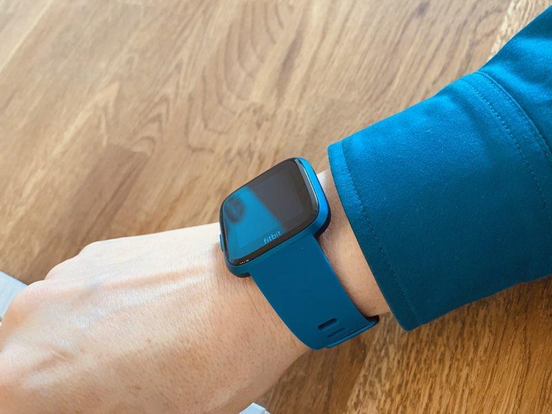 Fitbit Versa Lite blauw