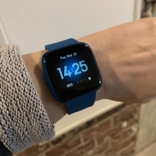 Review: Fitbit Versa Lite