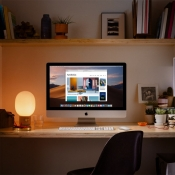 iMac 2019 op bureau.