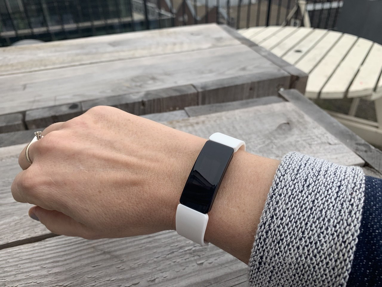 Fitbit Inspire HR review design en draagcomfort