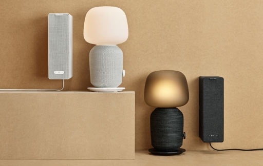 IKEA en Sonos presenteren Symfonisk speakers: boekensteun en tafellamp.