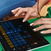 Zo gebruik je je iPhone en iPad als muziekinstrument