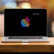 Screensaver Apple logo op MacBook Pro