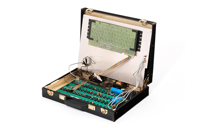 Veiling van Apple-1 in een koffer.