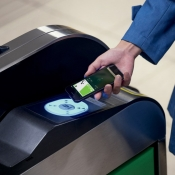 Apple Pay komt in België naar tram, bus en metro