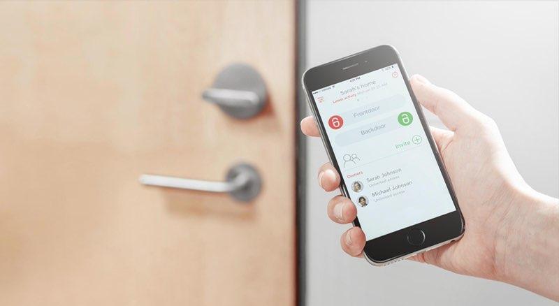 Friday deurslot app