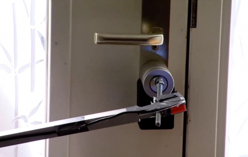 Nuki deurslot met knop koppelen.