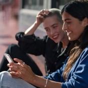 Vrouwen met iPhone.